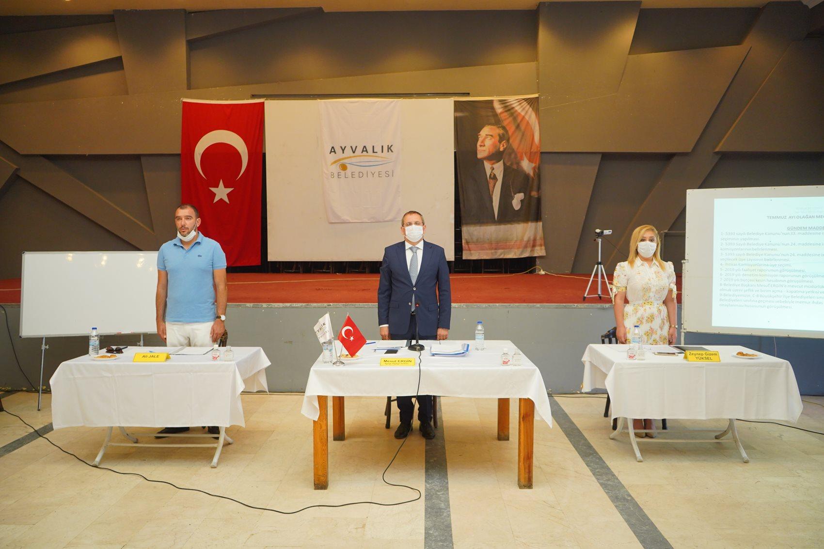 """""""GELİRLER ARTTI, GİDERLER AZALDI."""""""