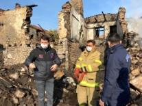 5 evin kül olduğu yangında kayıp olan yaşlı kadının cesedine ulaşıldı