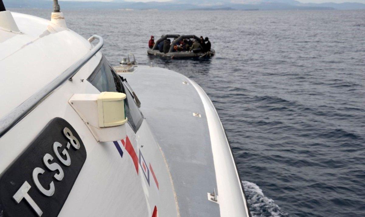Ayvalık ta 35 düzensiz göçmen kurtarıldı