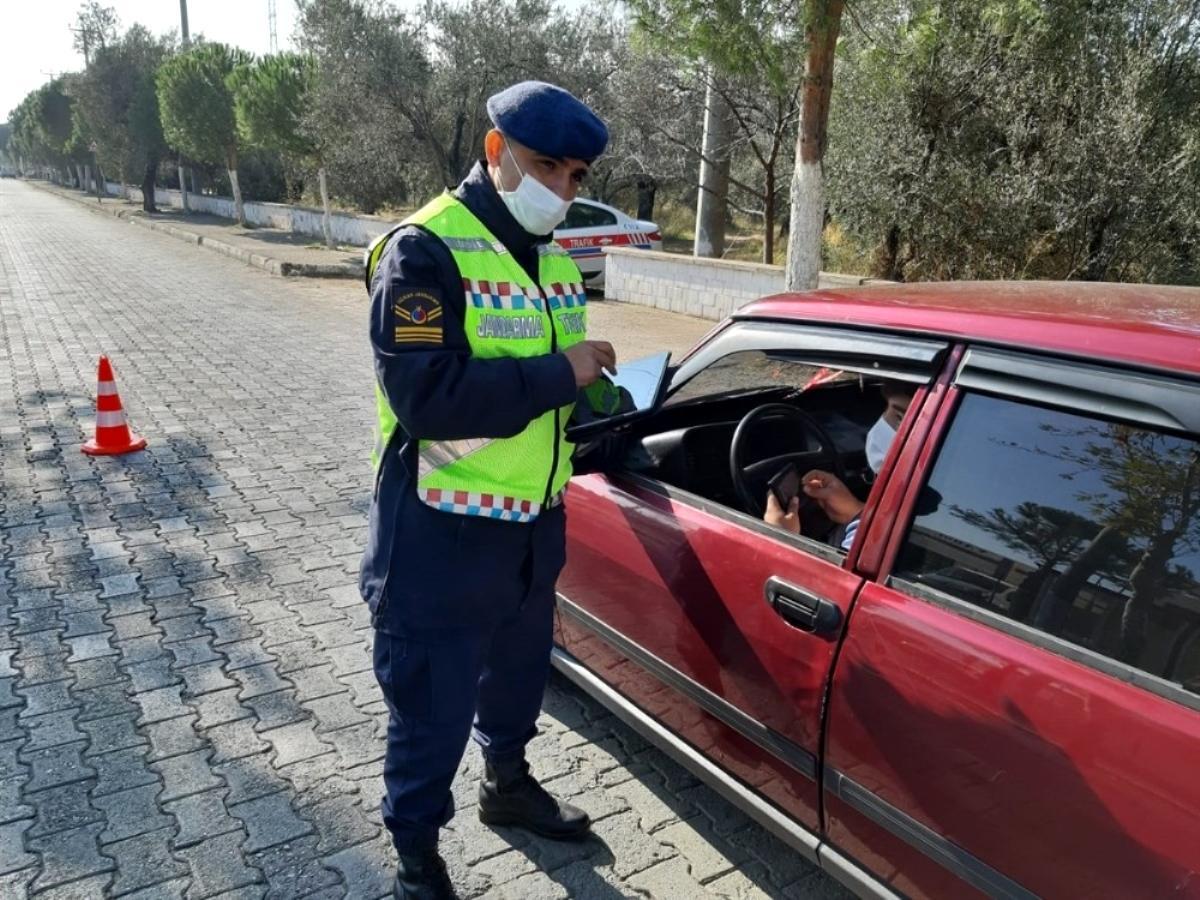 Jandarma emniyet kemeri takmayan sürücülere ceza yağdırdı