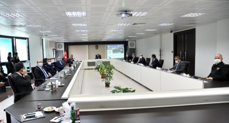 Prof. Dr. İlter Kuş, Üniversitedeki gelişmeler hakkında il protokolünü bilgilendirdi