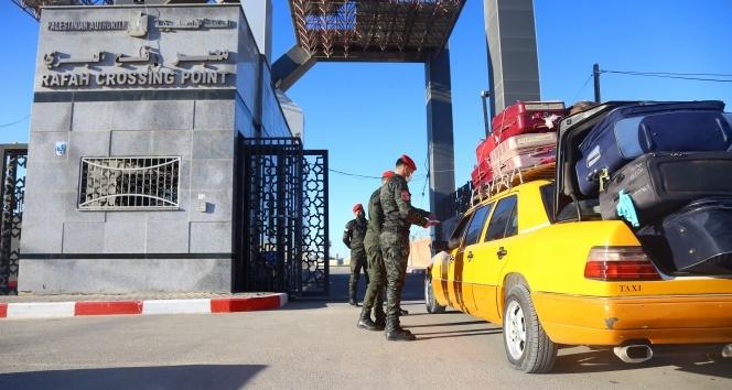 Gazze ile Mısır arasındaki Refah Sınır kapısı 4 günlüğüne açıldı