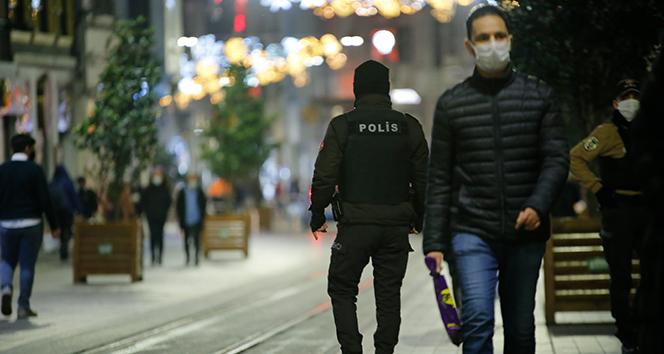 İçişleri Bakanlığı, sokağa çıkma kısıtlamalarında 31 bin 69 kişiye adli idari işlem yapıldığını duyurdu