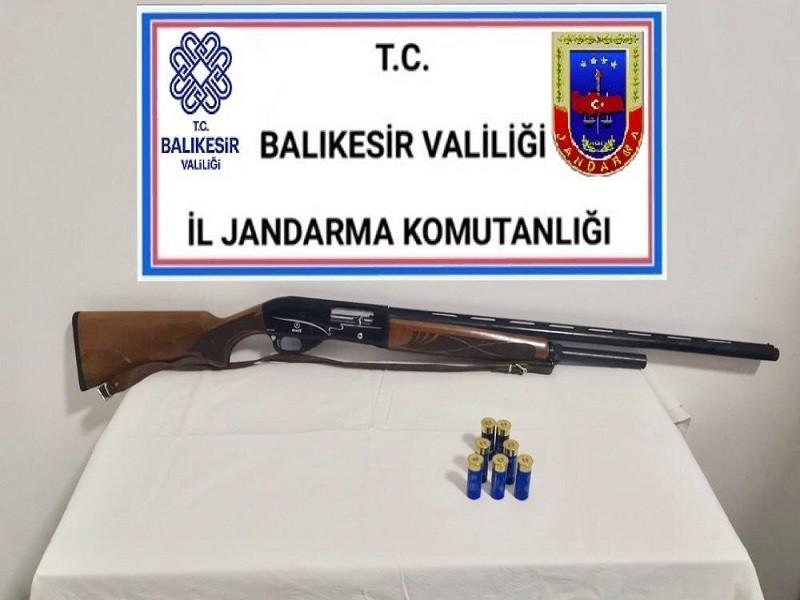 BALIKESİR'DE JANDARMA 19 ŞAHSI GÖZALTINA ALDI