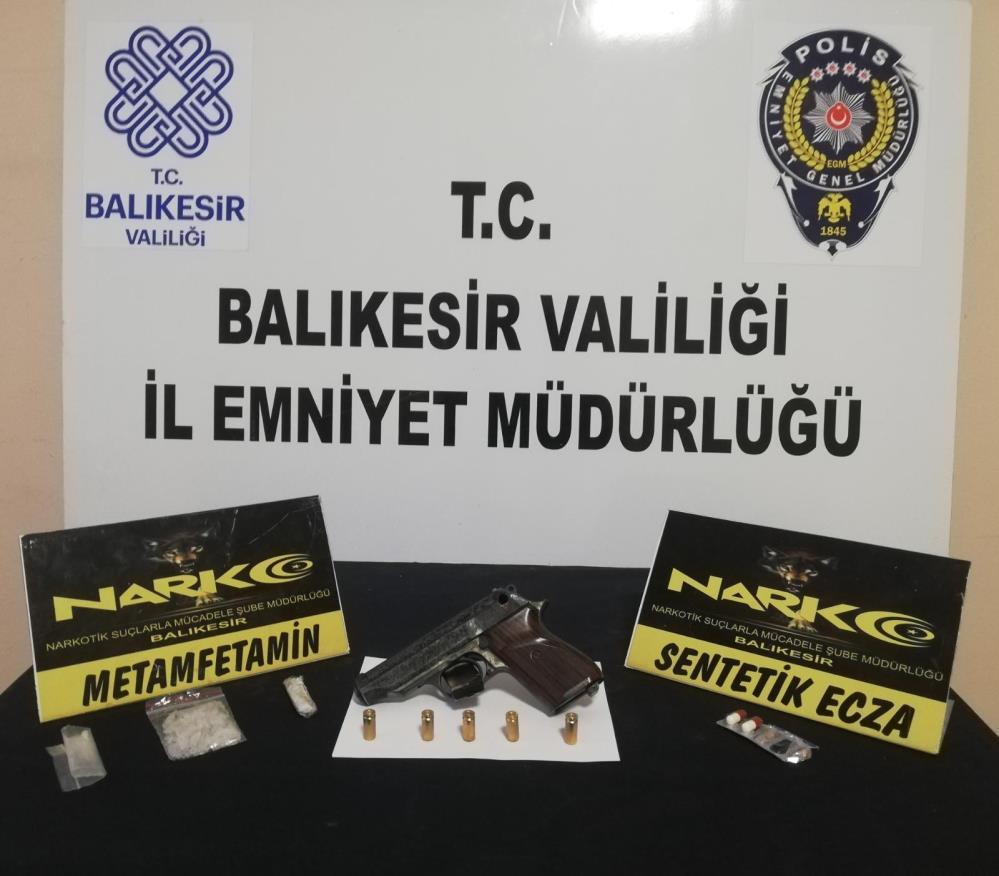 BALIKESİR'DE UYUŞTURUCU OPERASYONUNDA 10 GÖZALTI
