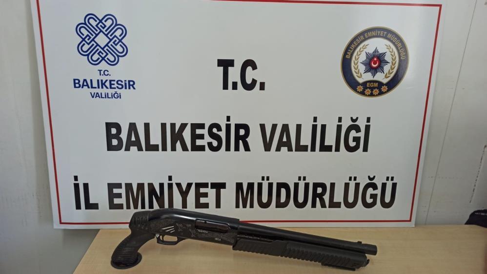 BALIKESİR'DE 24 ŞAHSA HUZUR OPERASYONU