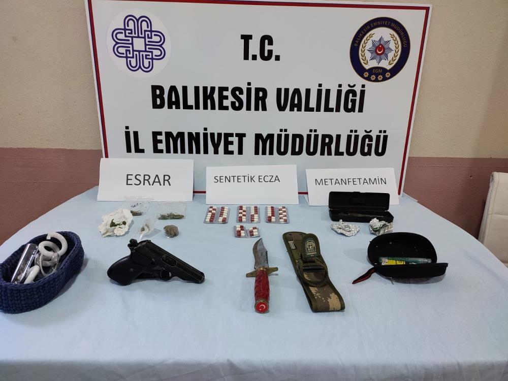 BALKESİR'DE POLİSTEN UYUŞTURUCUYA GEÇİT YOK