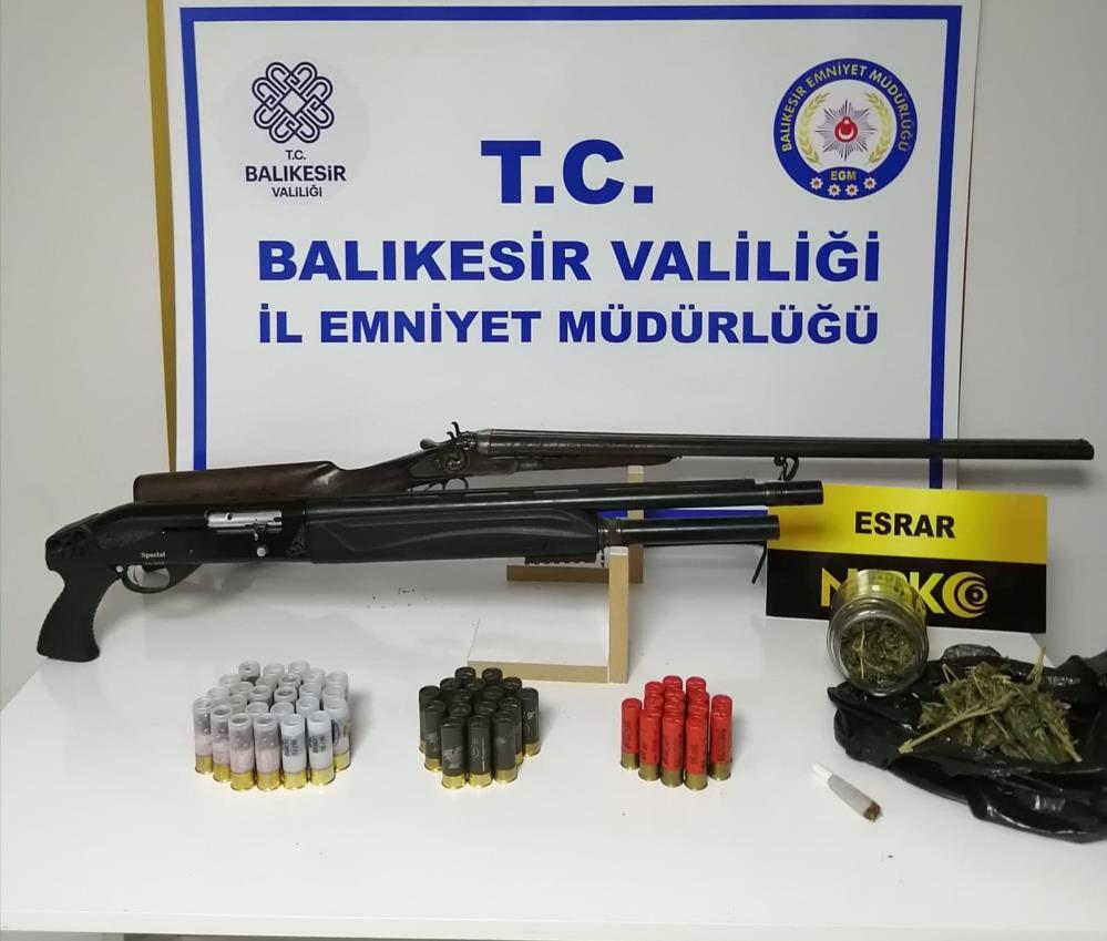 BALIKESİR'DE POLİSTEN 51 ŞAHSA GÖZALTI