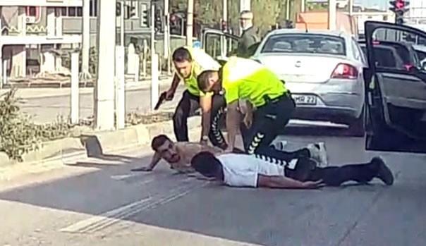 BANDIRMA POLİSİNDEN KIRMIZI IŞIKTA NEFES KESEN OPERASYON