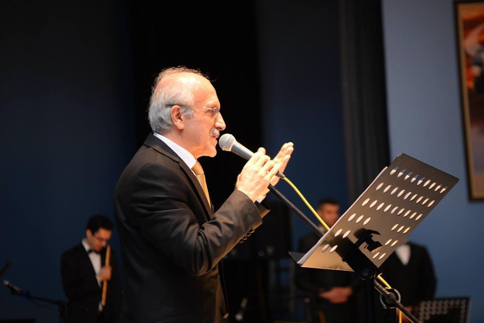 ŞEF SITKI SAHİL'E 'MÜZİK BAŞARI' ÖDÜLÜ
