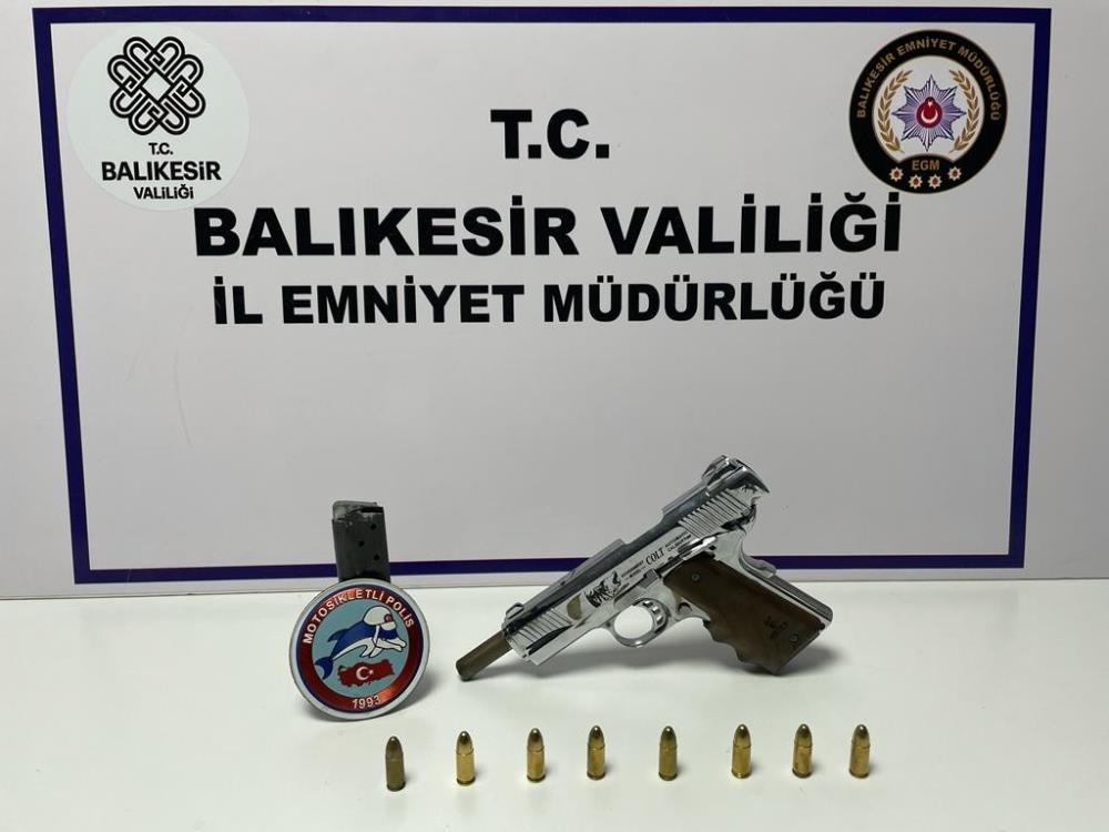 BALIKESİR'DE 69 ŞAHSA POLİS VE JANDARMADAN 'HUZUR' OPERASYONU